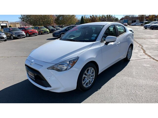 Pre-Owned 2018 Toyota Yaris iA